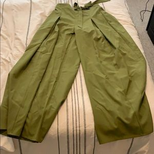 Pants - NWOT- green palazzo pants with tie!